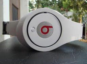 Own A Good Music Headphone