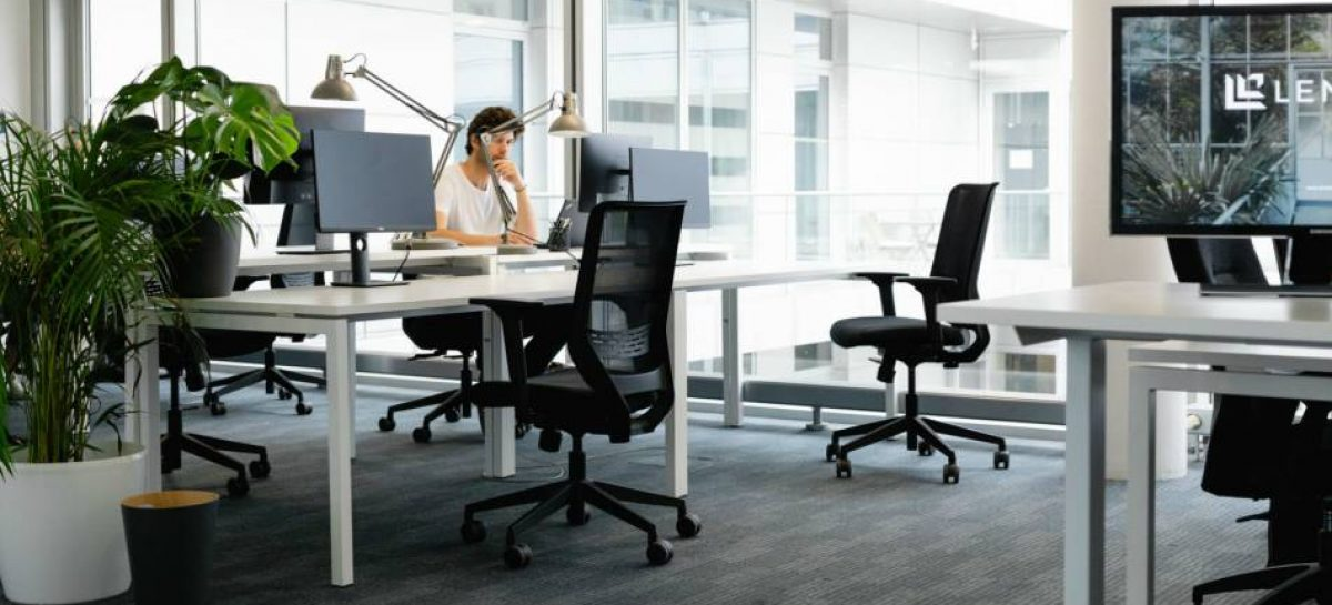 The Benefits of Renting Office Equipment